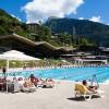 Chaises longues piscine Morzine