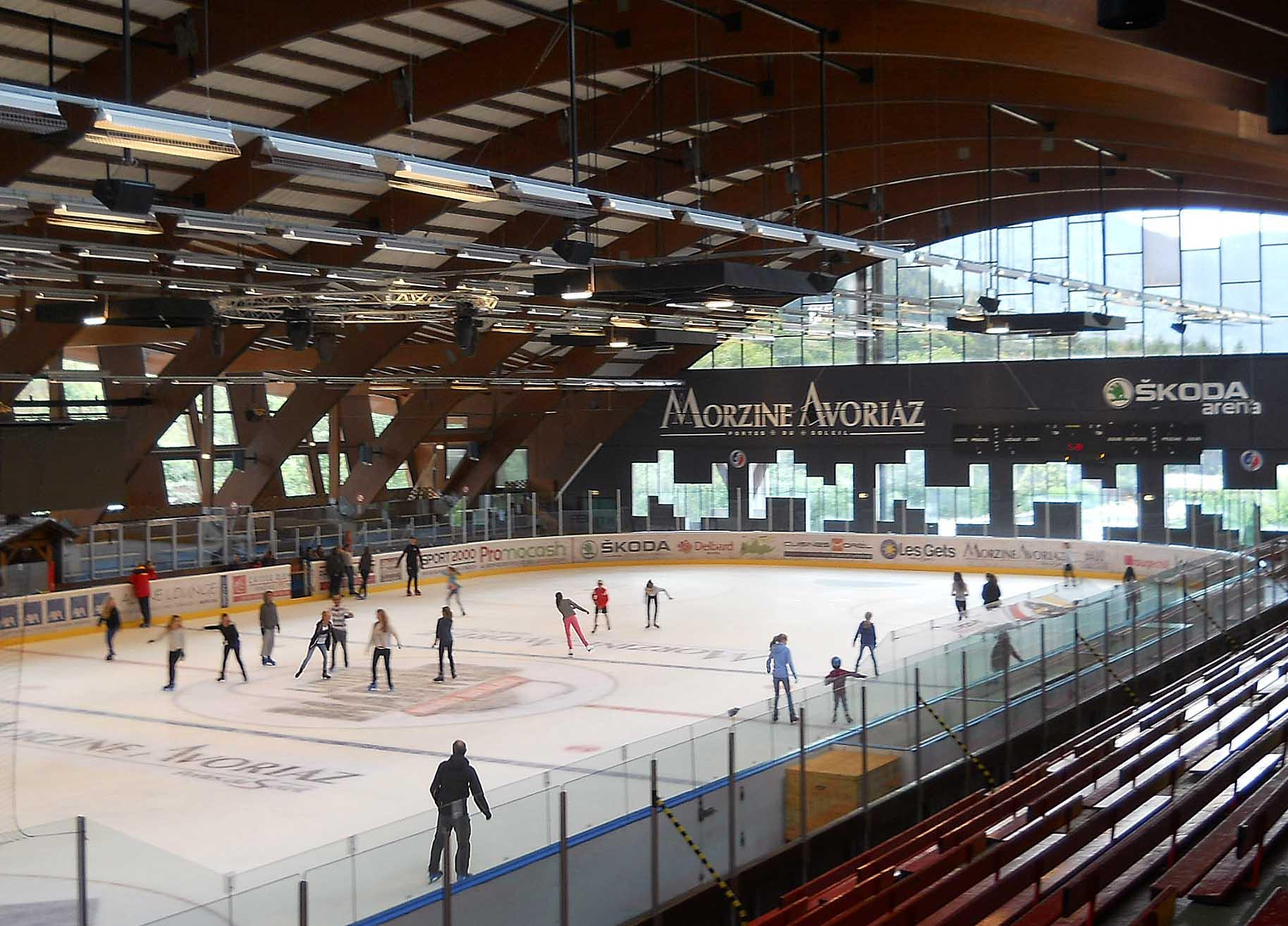 Patinoire couverte parc des d r ches sports et loisirs for Piscine patinoire